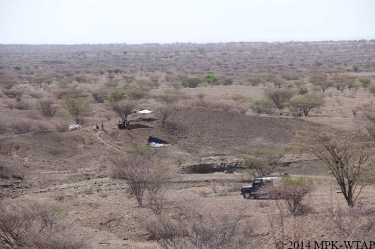2014_LOM3 site with Lake Turkana in the background
