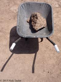 2015_A very hot wheelbarrow at Lomewki 3