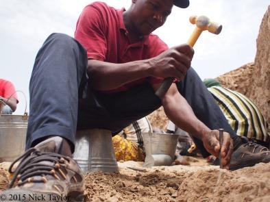 2015_Chef BK excavating at LOM3