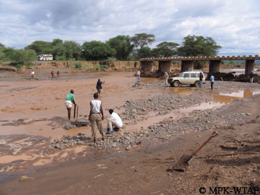Crossing the river to get to Turkana_3