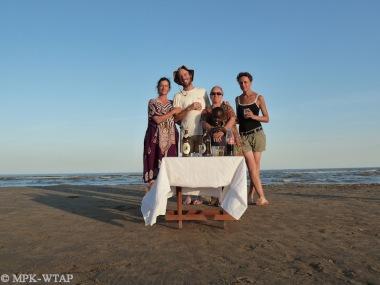 An afternoon break at the Lake with Ignacio de la Torre and Melanie Terrade_2