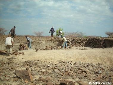 shoring up Nasura 1 as excavation closes