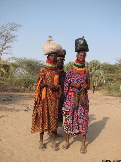 2011_Turkana ladies