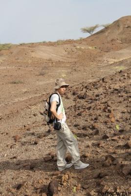 2012_Adrian Arroyo visiting the Lomekwi 3 fieldsite