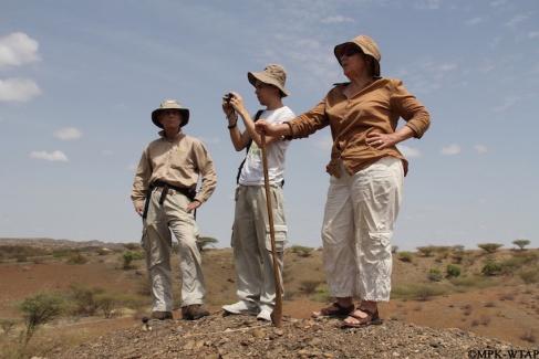 2012_Bill McGrew, Adrian Arroyo and Hélène Roche at Lomekwi 3_1