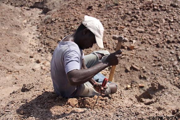 2012_Sammy Lokorodi excavating