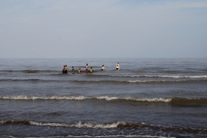 2013_Going for a dip in Lake Turkana