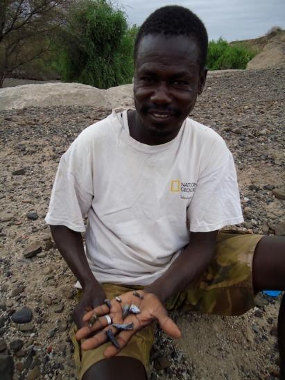 2013_Sammy Lokorodi with fossils