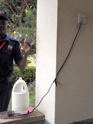 2016_A makeshift kettle, Nairobi