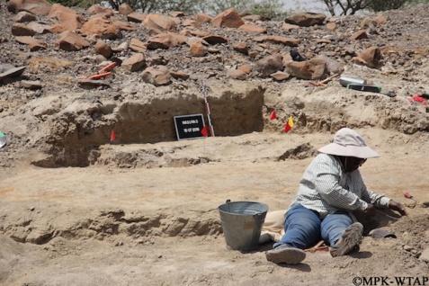 2016_Cecilia excavating at Nasura 3