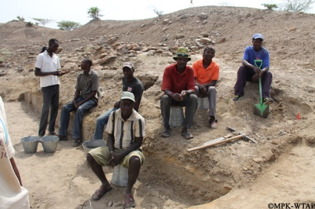 2016_Nasura 3 excavation team